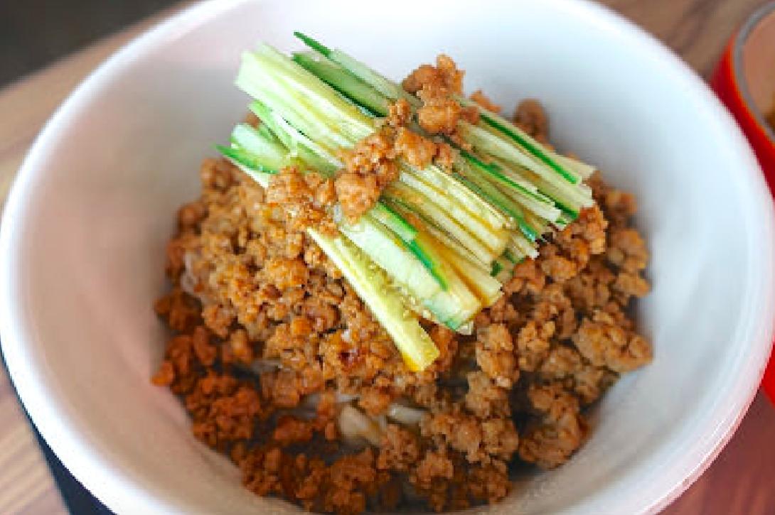 「炸醬麵的醬怎麼做?」簡單好上手的炸醬麵做法,拌麵拌飯都好吃!