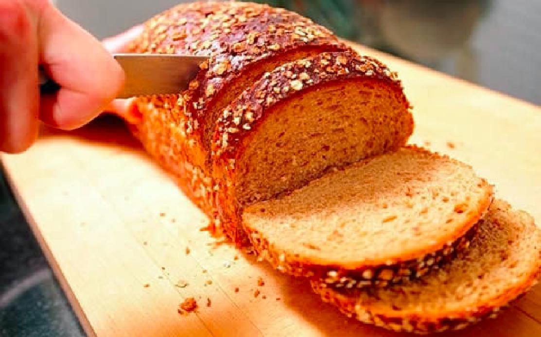 「麵包怎麼切,才不容易掉屑?」這個廚房小技巧可以學起來!