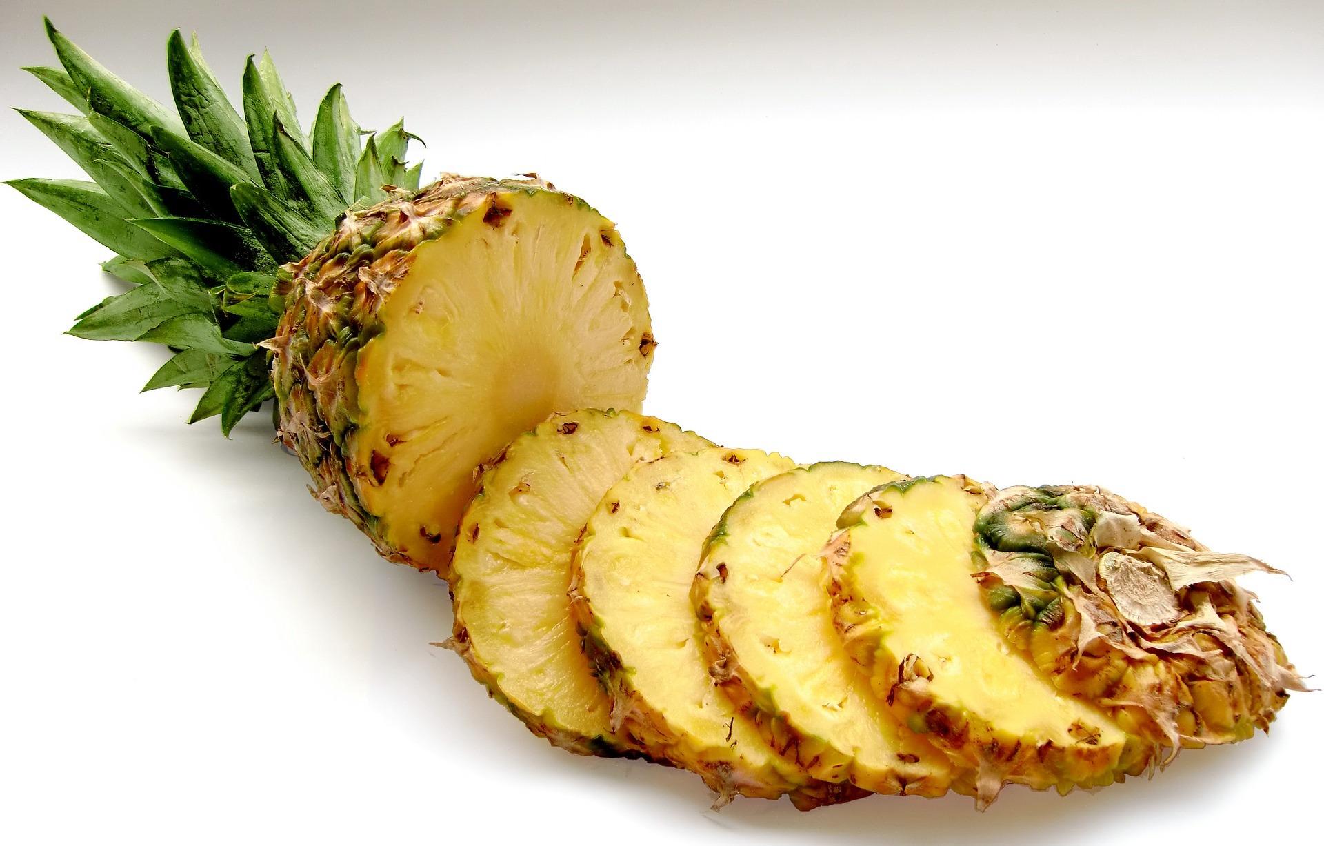 「為什麼吃鳳梨會咬舌頭?」4 個技巧,教你如何避免鳳梨刮舌!