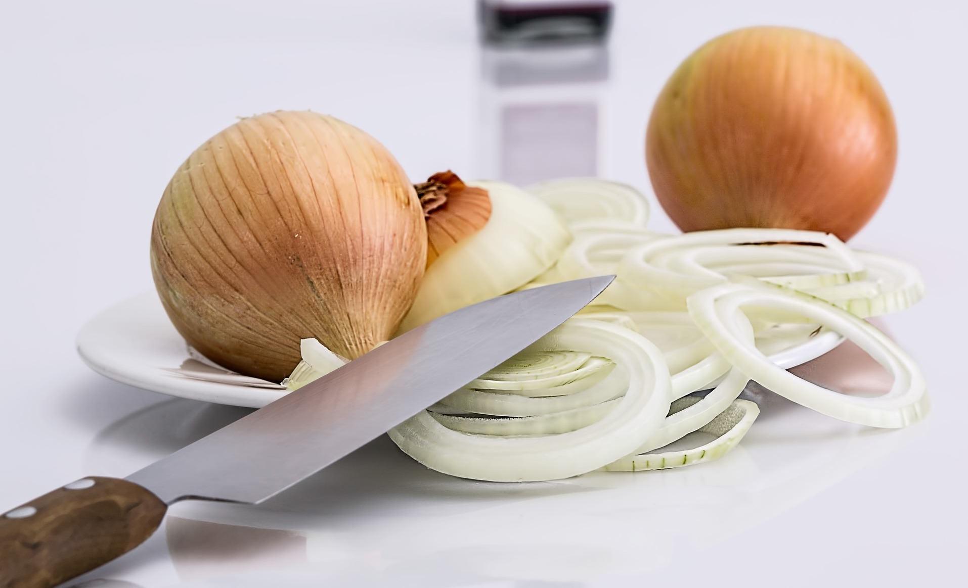 「洋蔥的嗆辣感怎麼消除?」只要學會這一招,10 分鐘就能消除!