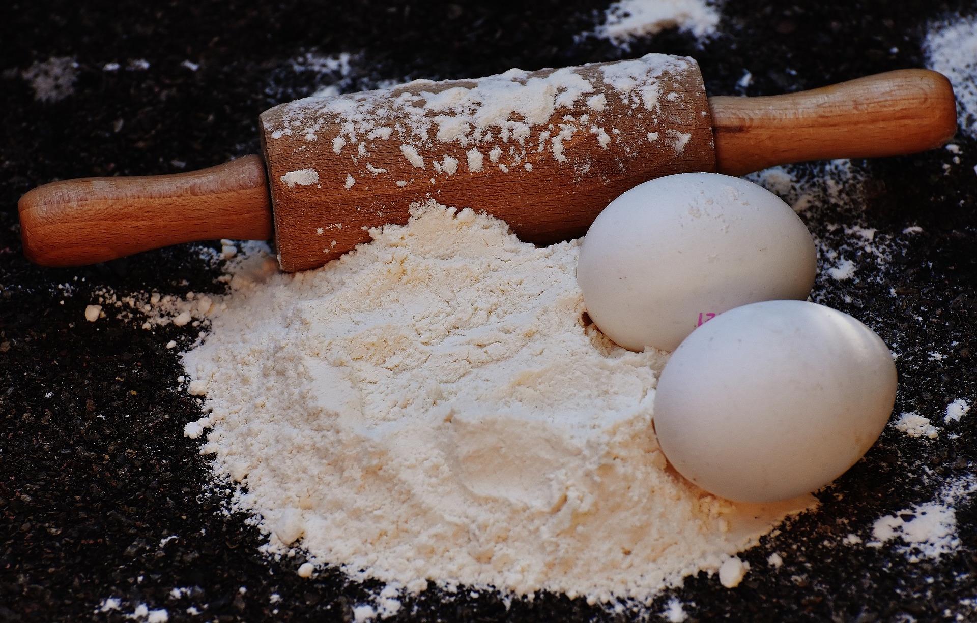 「高筋、中筋、低筋麵粉要怎麼使用?」教你正確的麵粉使用技巧,別再傻傻的搞混了!