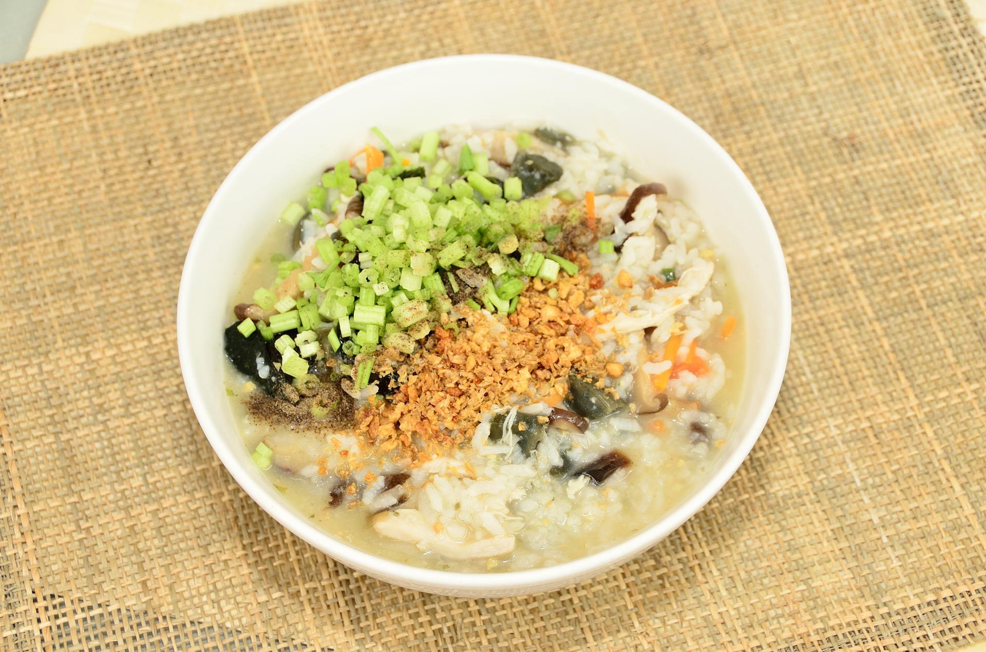「煮粥米和水的比例是 1:6 還是 1:8 合適?」原來一碗好吃的粥,是需要控制比例的!