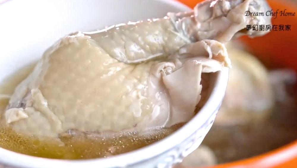 「雞湯要如何燉煮才能又軟又嫩?」學會這幾招,讓雞湯更好喝10倍!