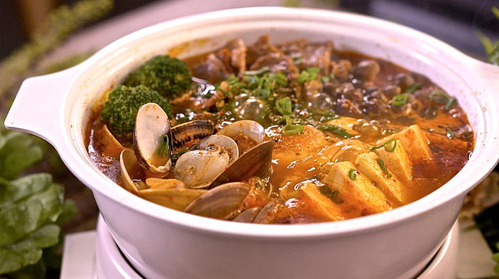 韓式泡菜豆腐鍋,對啦!就是這個味。配料豐富超開胃