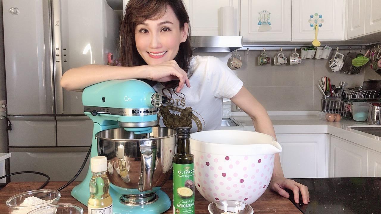 小容量攪拌機如何順利攪打出麵包麵糰的薄膜? Kitchenaid 5Q實測影片
