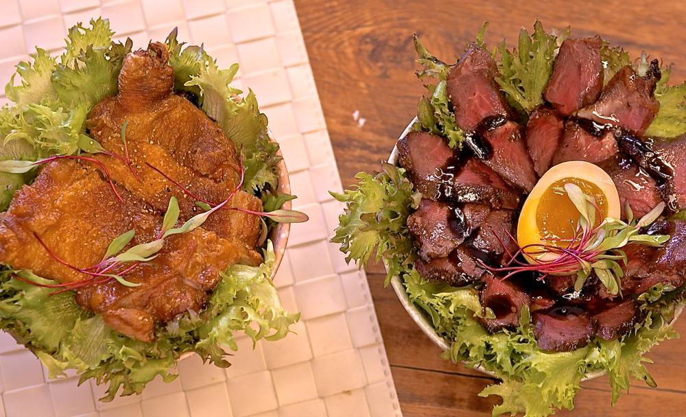 脆皮雞排丼PK舒肥牛排丼,你選哪一道??請選擇‼️