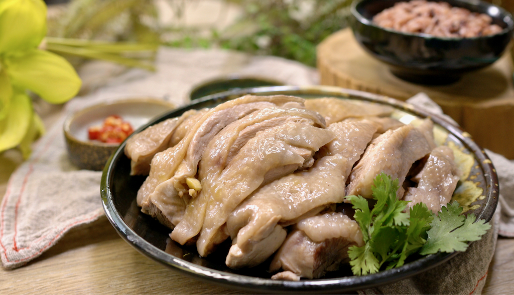 白斬雞白切雞私房鮮嫩祕技,免剁雞太方便了!經典家常菜 The Easiest Boiled  Chicken