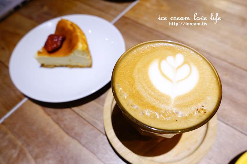 【台北東區】Fabrica 椅子咖啡 – 設計現代感 下午茶咖啡燉飯推薦 信義安和