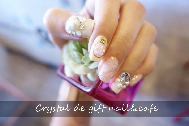 【台北中山】Crystal de gift nail & cafe – 粉晶天然石 凝膠 中山捷運站美甲
