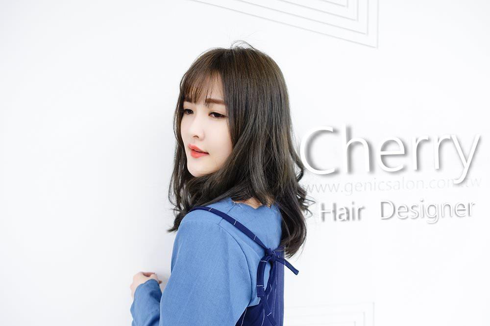 【剪染髮型】秋冬霧感灰綠 空氣輕盈中長髮 質感OLAPLEX 護髮 設計師Cherry