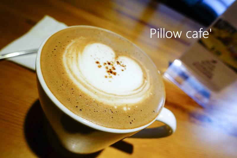 【台北大安】Pillow Cafe – 信義安和 可愛店狗陪你吃下午茶 寵物友善餐廳