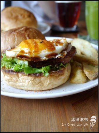 台中西區好順路吃一圈NO.1 – 田樂│for farm burger 、磨時間咖啡