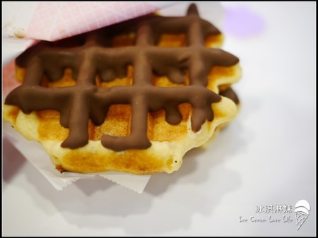 玻爾鬆餅(誠品站前旗艦店):玻爾鬆餅Pearl Waffle - 新食感  現做現烤比利時鬆餅格子