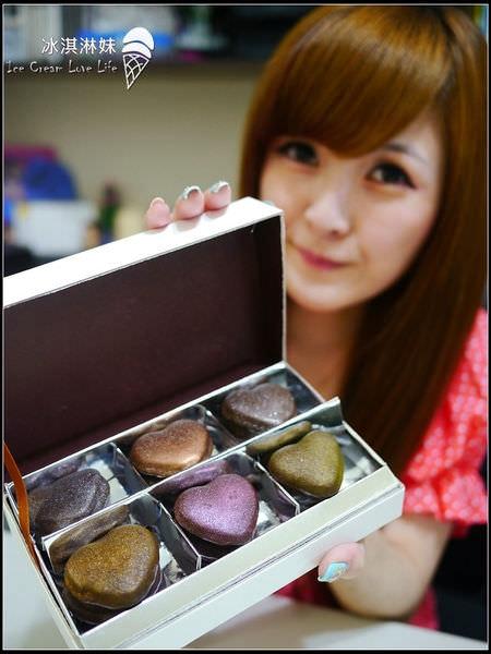 【宅配美食】Sweet Emily 法式甜品 – 超特別巧克力馬卡龍 甜蜜送到家