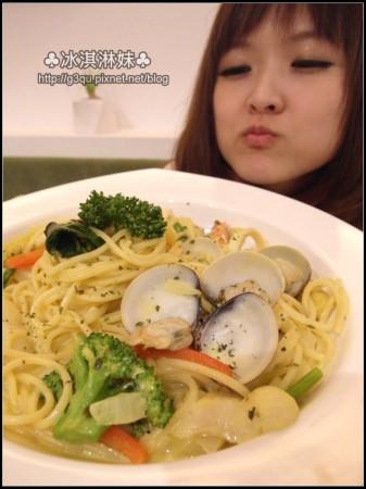 kimmi Food&Drink – 環境氣氛餐點佳 好喜歡小搖椅!!!!