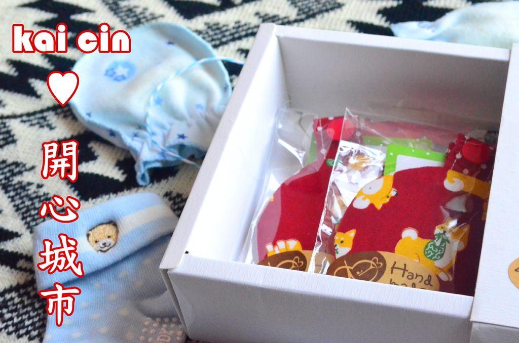 『育兒用品_kai cin♥開心城市』口水巾、三角巾、扣式平安符,圖案都好可愛啊~~