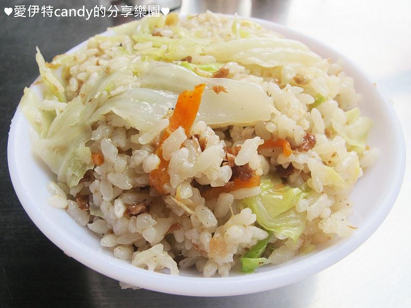 『彰化田中_龍吉高麗菜飯』類似燉飯的高麗菜飯是甚麼滋味?綜合湯滿滿的料只要20元?!
