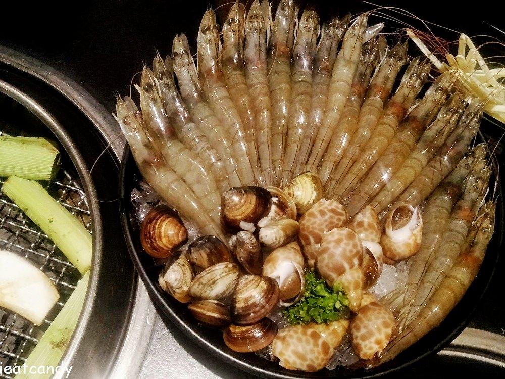 斗六吃到飽_色鼎燒肉│一次吃六十隻蝦子,保證讓你吃到超級痛風!