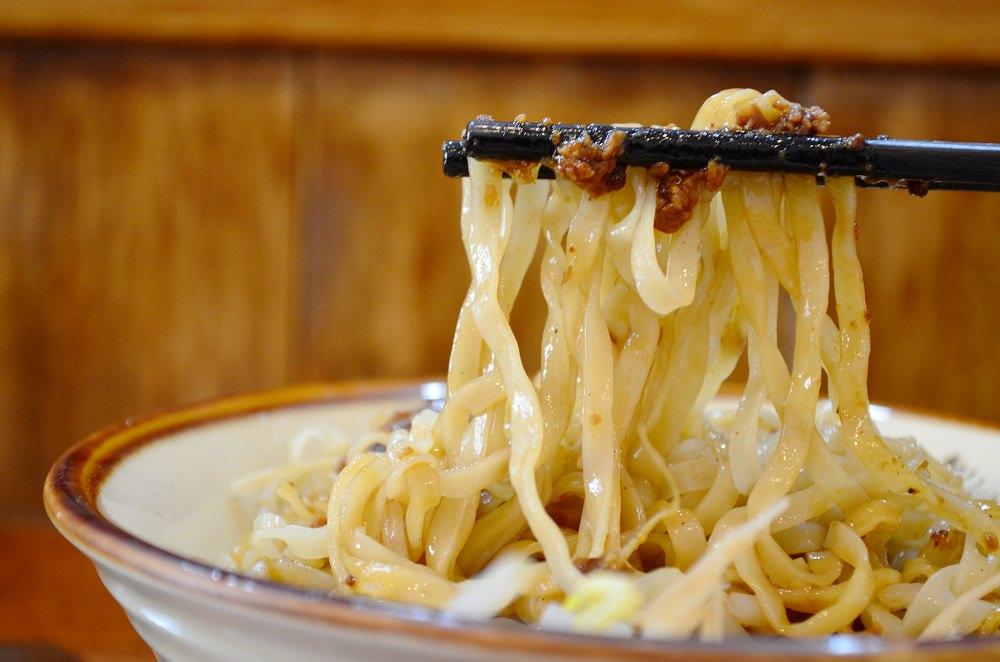 鹿港美食_鹿港圓環頂麵食館│為古早味注入新思潮,傳統麵條也能有新靈魂。