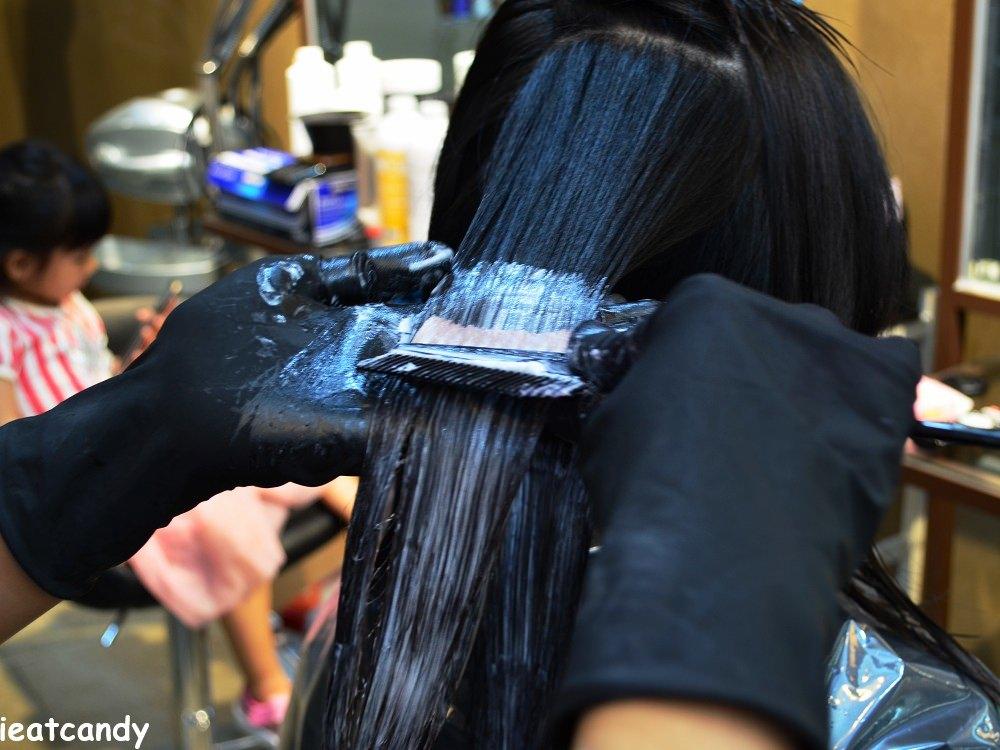 上燙髮藥劑過程-台中燙染髮推薦