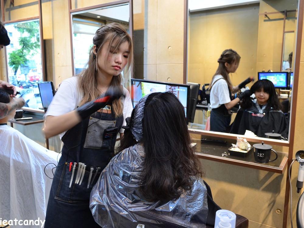染髮上染膏過程-HairCity台中燙染髮推薦