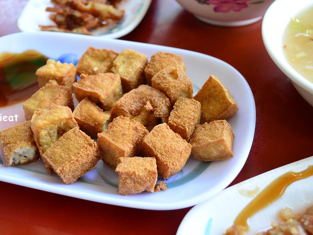 上安肉粥炸豆腐特寫-台中肉粥推薦