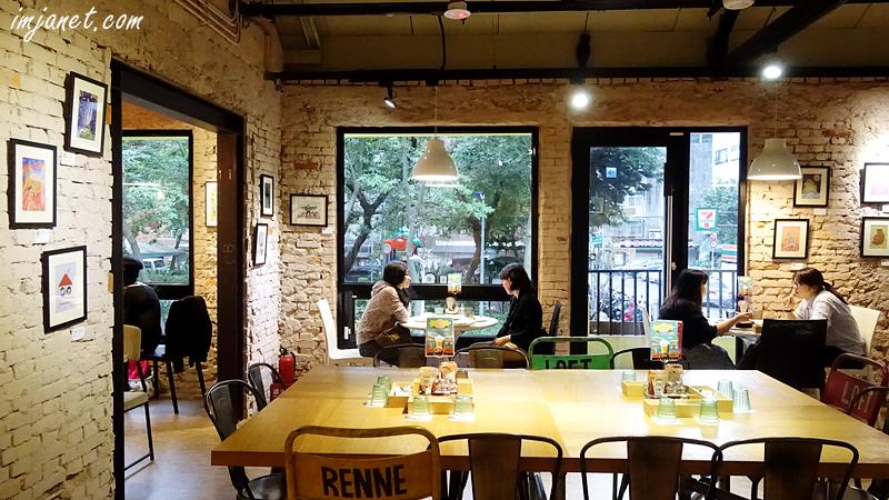台北‧科技大樓站》三隻貓頭鷹3 owls cafe早午餐,溫暖明亮又舒服的用餐空間,有提供wifi及插座/朋友聚餐、soho族推薦/科技大樓早午餐/科技大樓咖啡店/科技大樓美食