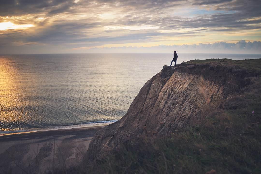 若將每一個生命比喻為大海,  海裡無數翻騰湧起的波浪,都是生命的一部分 – 這就是旅行的意義
