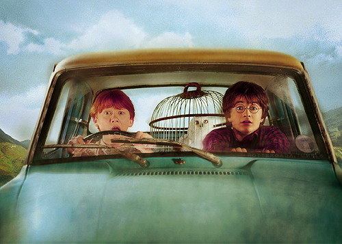 【有趣分析】為什麼《哈利波特》中,榮恩家的汽車會這麼任性? – 我們用電影寫日記