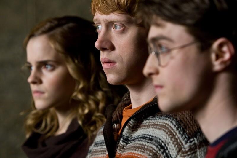「《哈利波特》原本打算讓殺掉哈利、妙麗、榮恩其中一人!」JK羅琳表示,早期草稿中有這 6 個設定… – 我們用電影寫日記