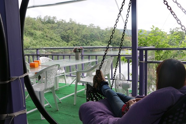 [美食] 宜蘭員山 太陽湖畔咖啡館 吃火鍋喝咖啡配太陽埤湖景 絕美山色就在這裡