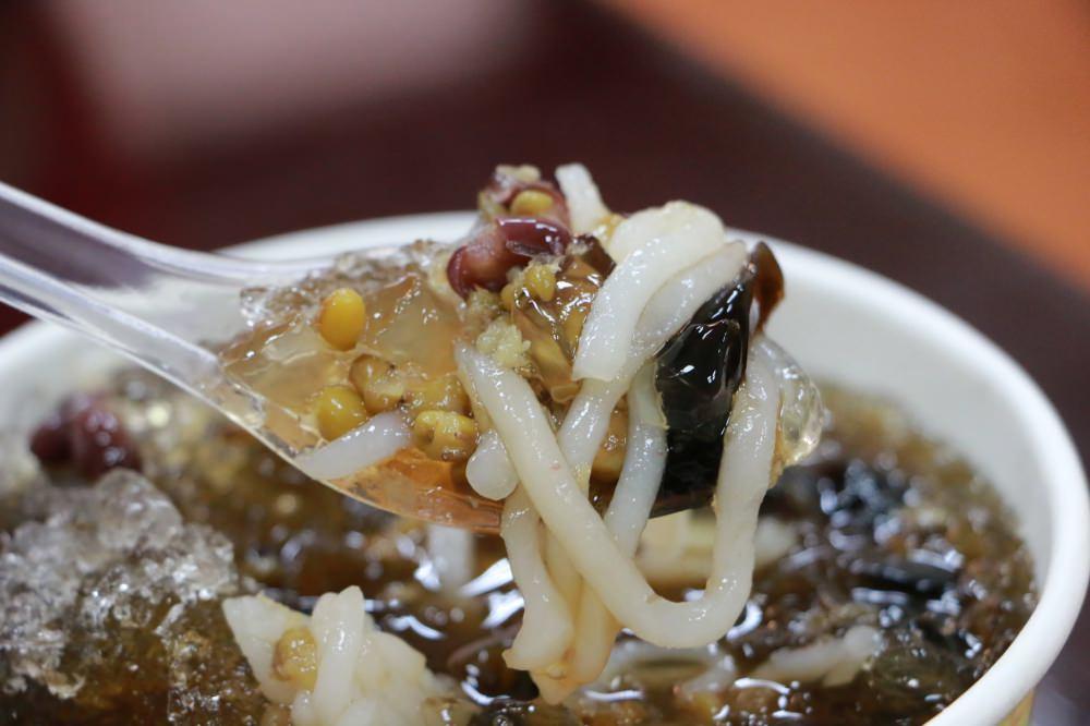 [美食] 桃園市 桃園忠孝甜品專賣(改名:星大王甜品) 手工製作米苔目配剉冰 消暑一下吃剉冰 力行市場