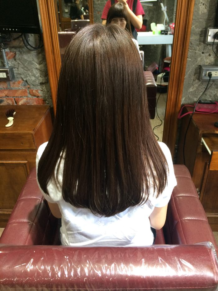[美髮] 台北永安市場站 四號公園 ARES Hair salon 變身深咖灰頭毛 橋本環奈式天使光圈 義大利卡芬妮染膏+哥德式柔漾護髮