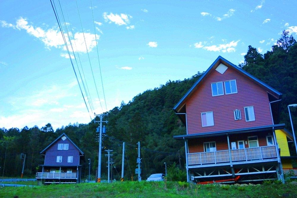 [住宿] 嘉義阿里山 得恩亞納 台版合掌村 美到不真實的山中彩色村落 阿里山秘境