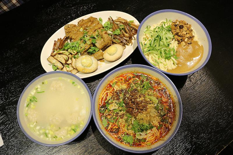 遼寧夜市美食推薦 捷運南京復興站 蘭芳麵食館 不能錯過的經典味道,滑順的芝麻與麻辣的口感!