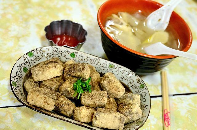 [苗栗泰安]來去洗水坑吃豆腐~!清安豆腐街
