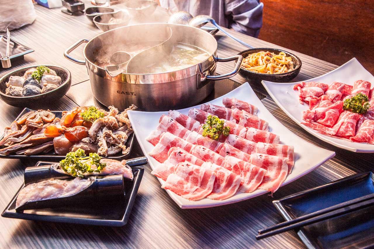 [台北松山]正宗傳統重慶麻辣火鍋,麻辣腦花滋味絕倫!張飛重慶麻辣鍋
