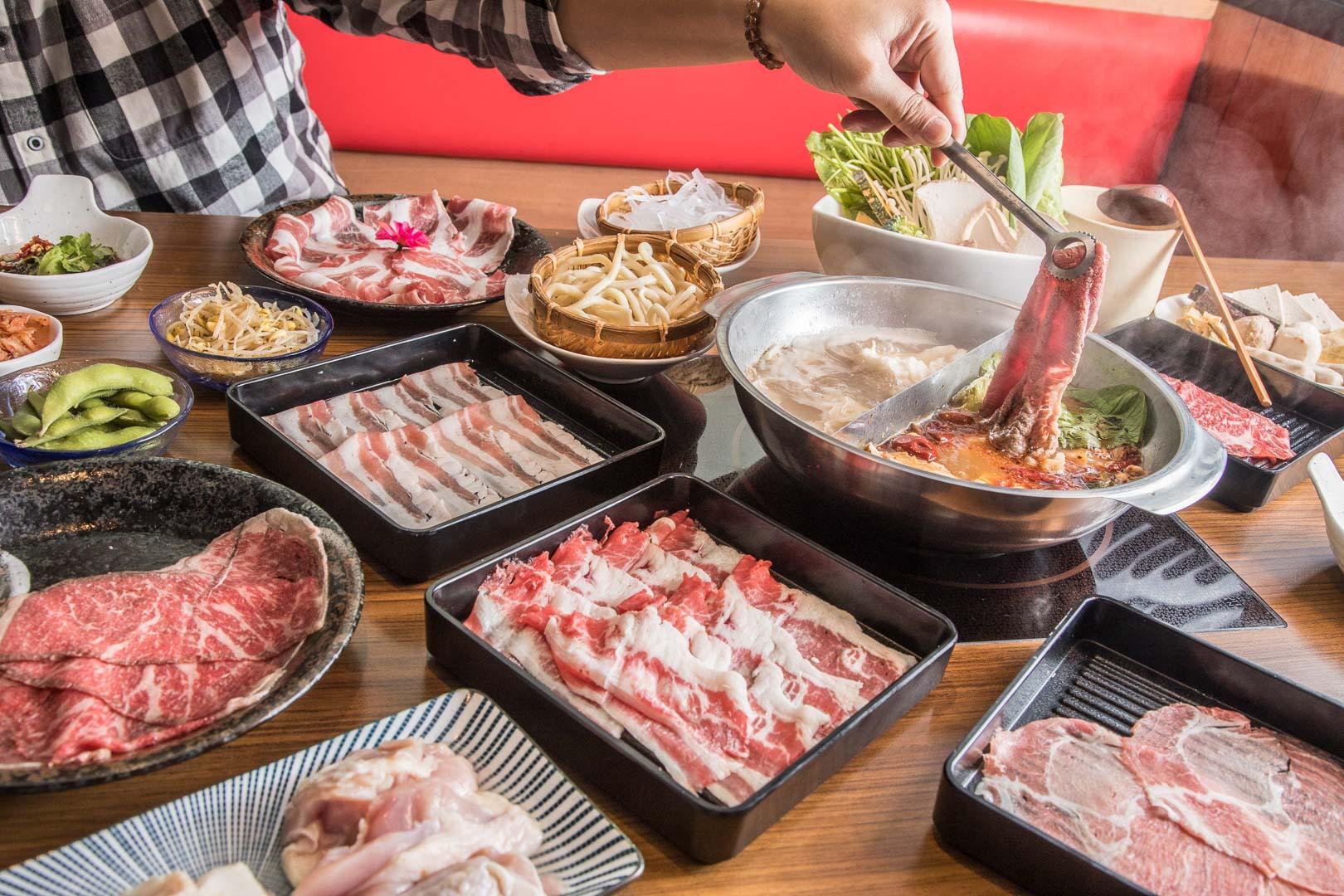 [台北信義]台北麻辣鍋吃到飽推薦!和牛、伊比利黑豬吃到飽只要668元?馬太郎鍋物ATT 4FUN店