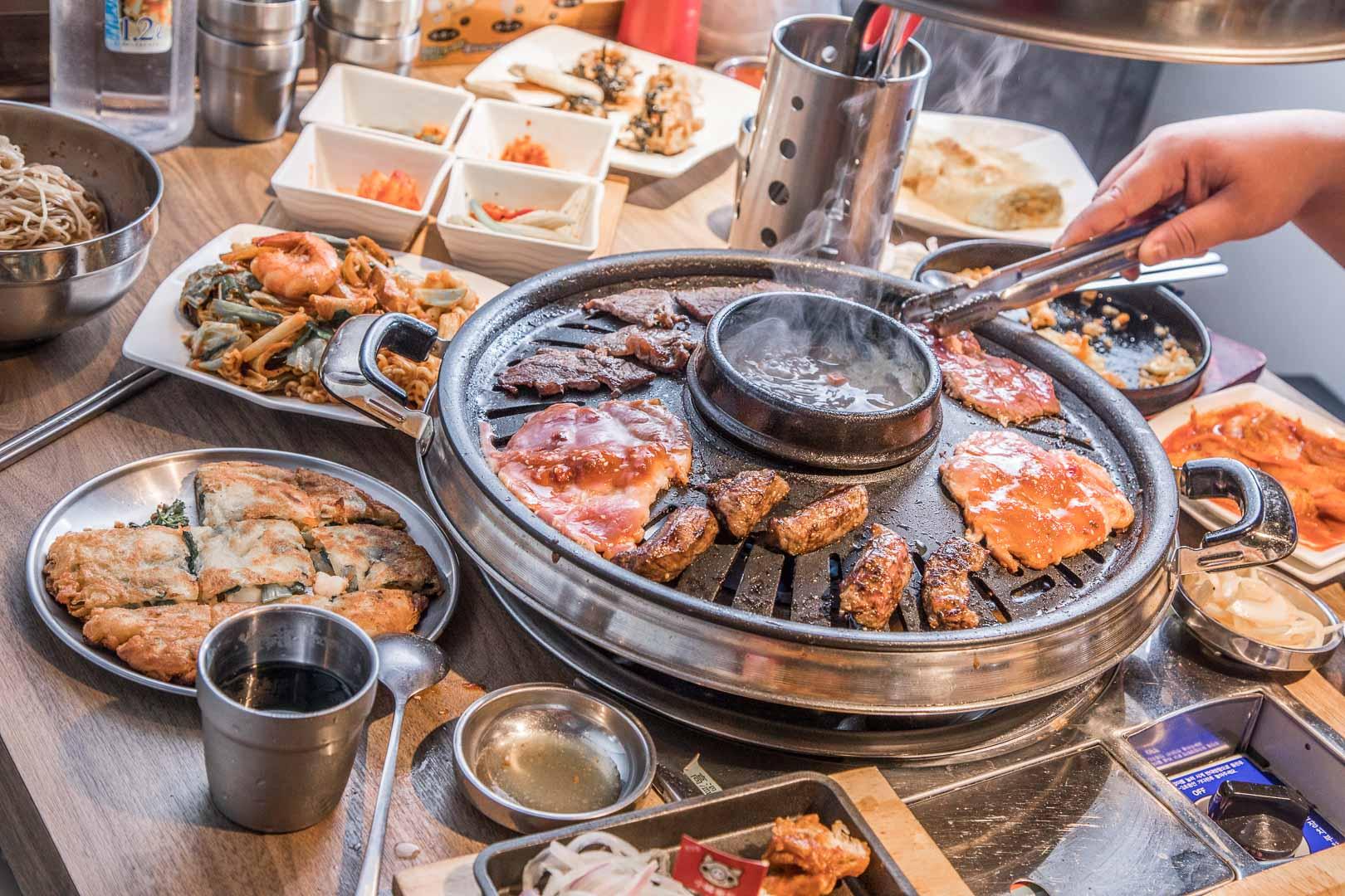 [台北吃到飽]小豬樂石韓式燒肉吃到飽/這必須吃爆!價格真的便宜到沒天理,韓式燒肉吃到飽389元起!