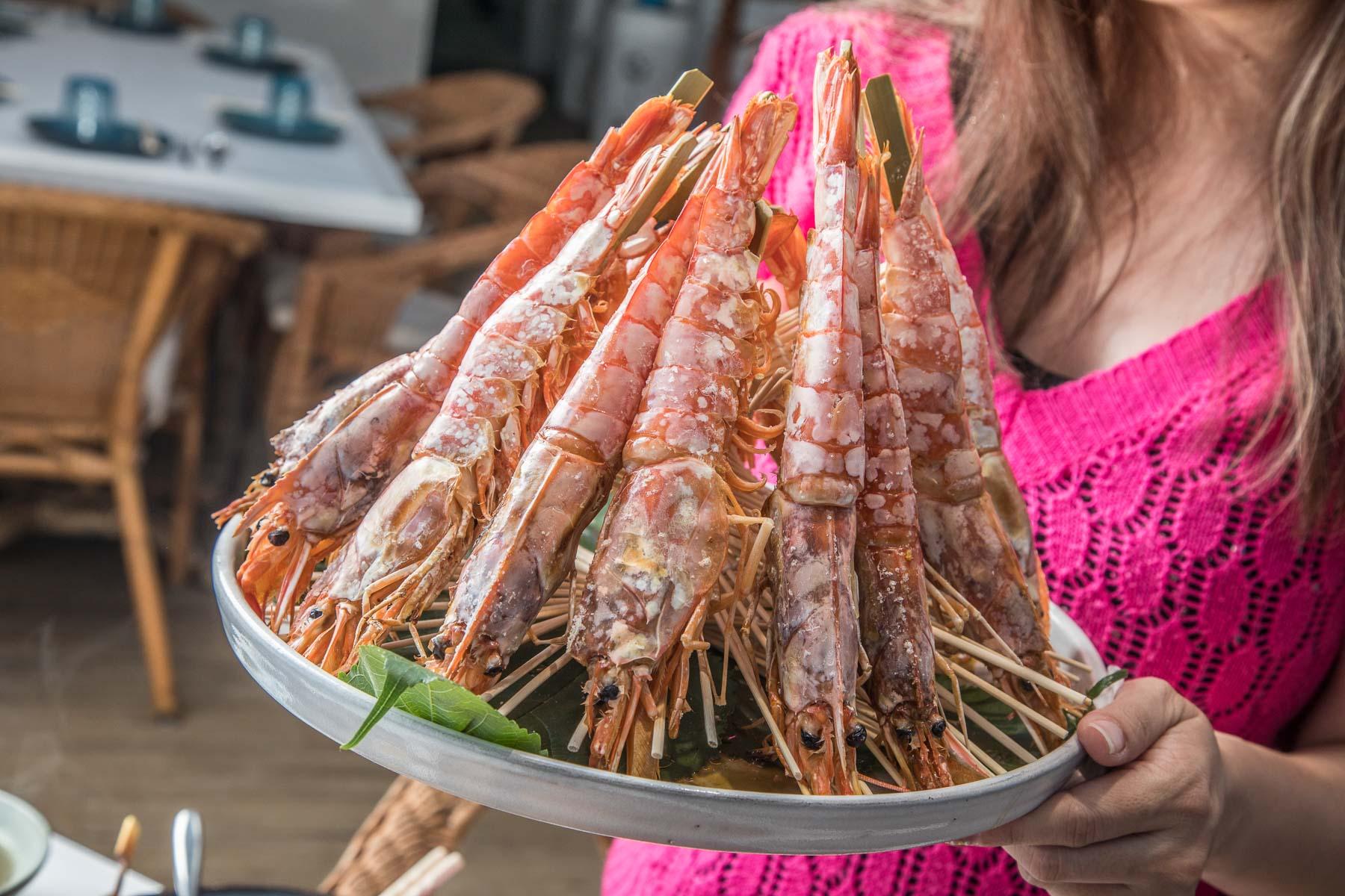 [桃園美食]蘭塔泰食/媽,我贏了15隻巴掌大的烤天使紅蝦!渡假風道地泰式料理餐廳