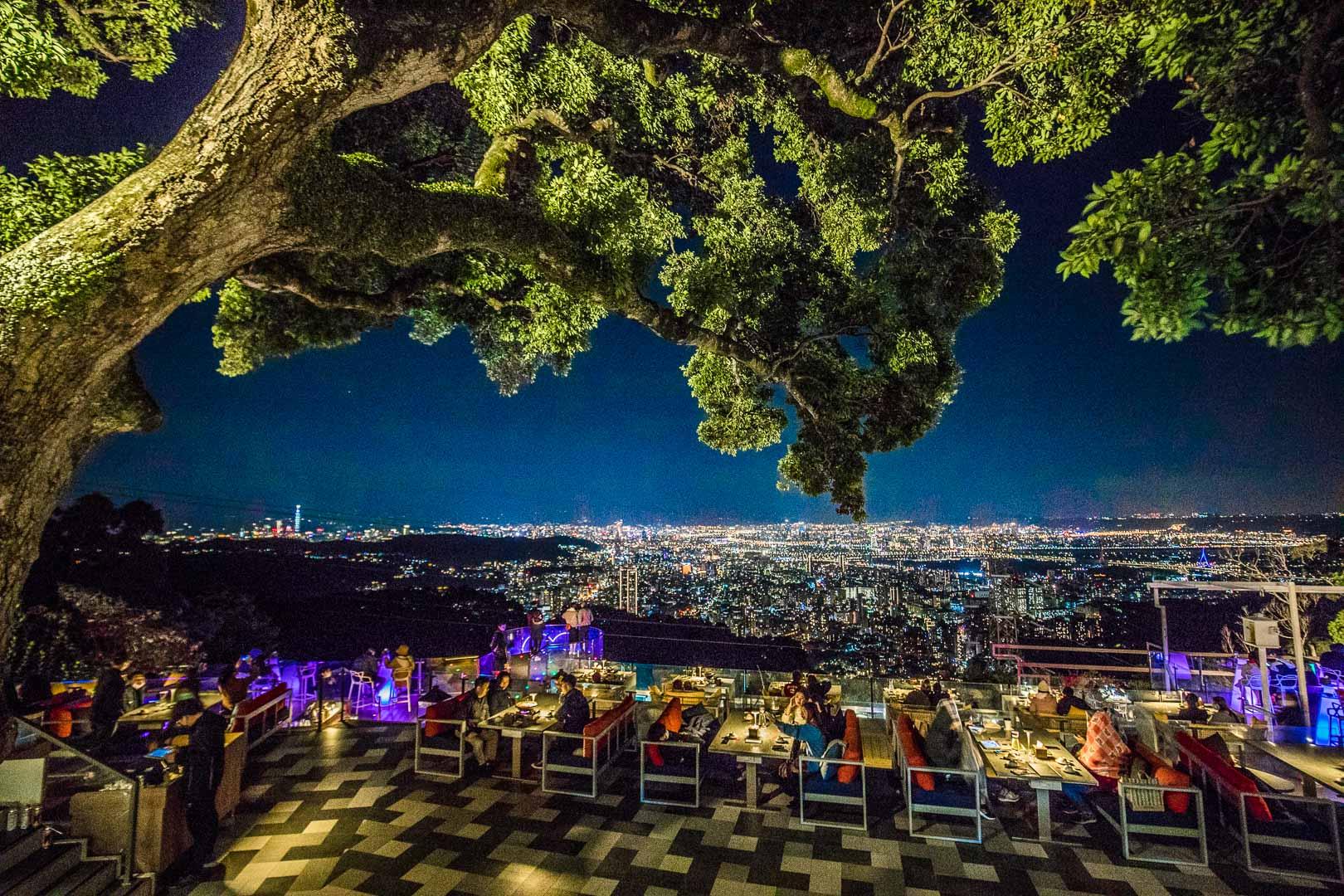 [台北夜景]草山夜未眠景觀餐廳/陽明山夜景餐廳推薦,絕美夜景約會聖地!