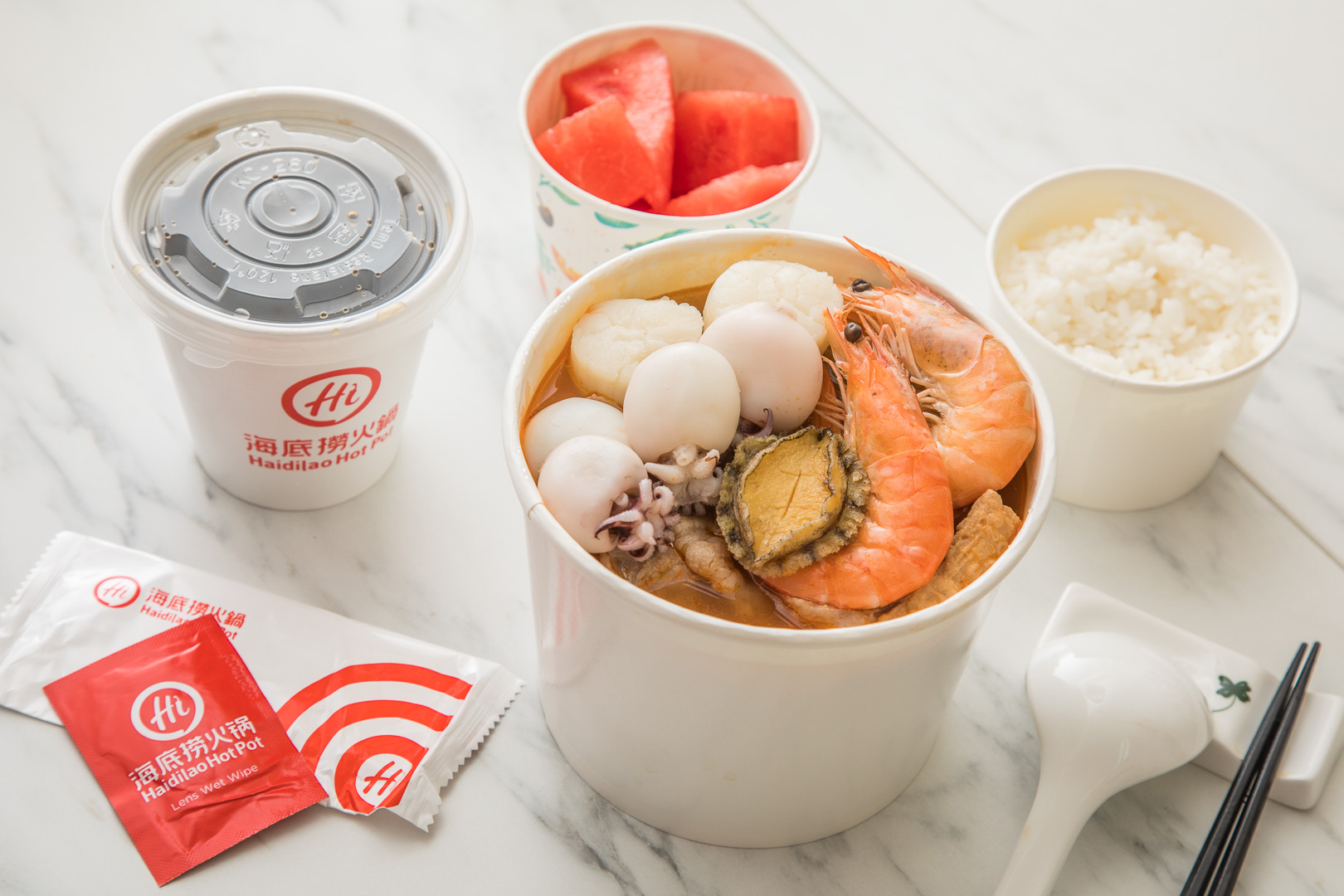 這作弊吧!擺鮑魚、鮮蝦、大干貝個人鍋可以這樣搞喔!海底撈終極2.0版海陸撈撈鍋!