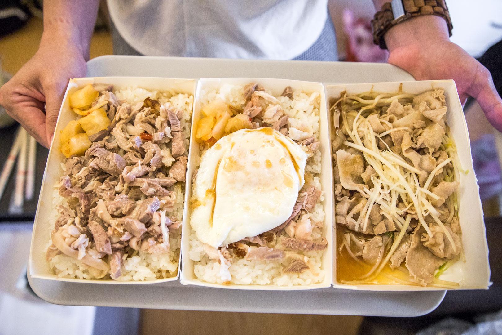 台中美食 》頂吉古早味火雞肉飯,比嘉義火雞肉飯還好吃!?近千則評價拿下4.4顆星的好吃火雞肉飯