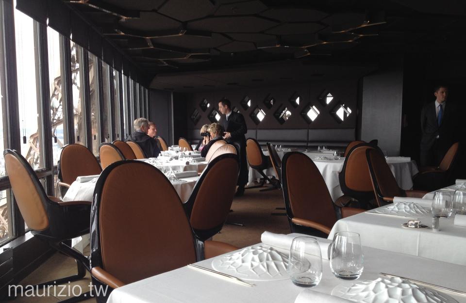 [巴黎] 米其林一星 Le Jules Verne – 超浪漫的鐵塔午餐,專屬電梯直達頂樓