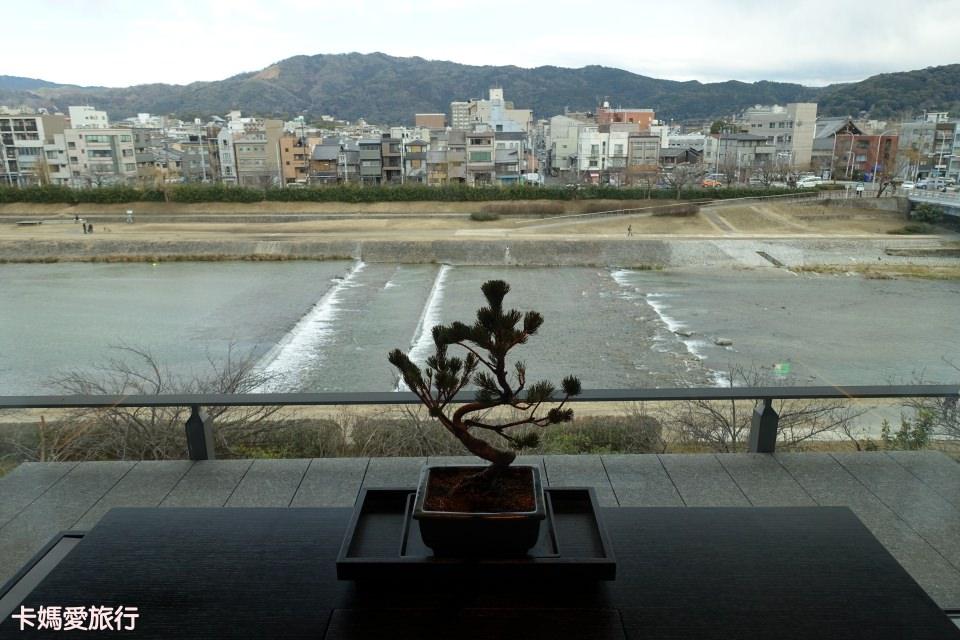 [京都] Ritz Carlton Kyoto 麗思卡爾頓飯店 – 鴨川畔河景奢華雙床房型、Pierre Hermé下午茶、和服租借體驗