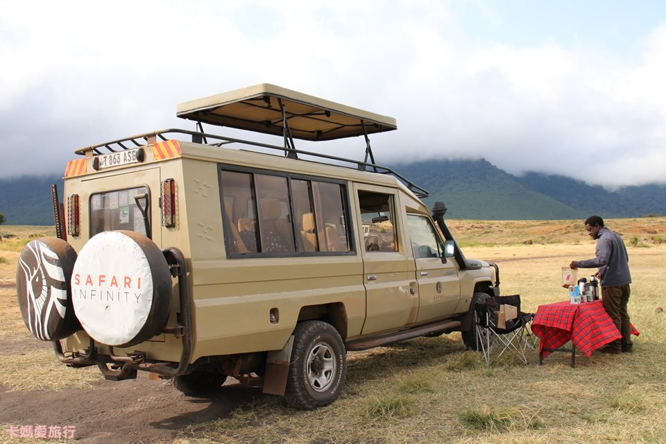[坦尚尼亞] Tanzania The Ngorongoro Conservation Area Game Drive – 恩戈羅恩戈羅保護區獵遊、午餐分享
