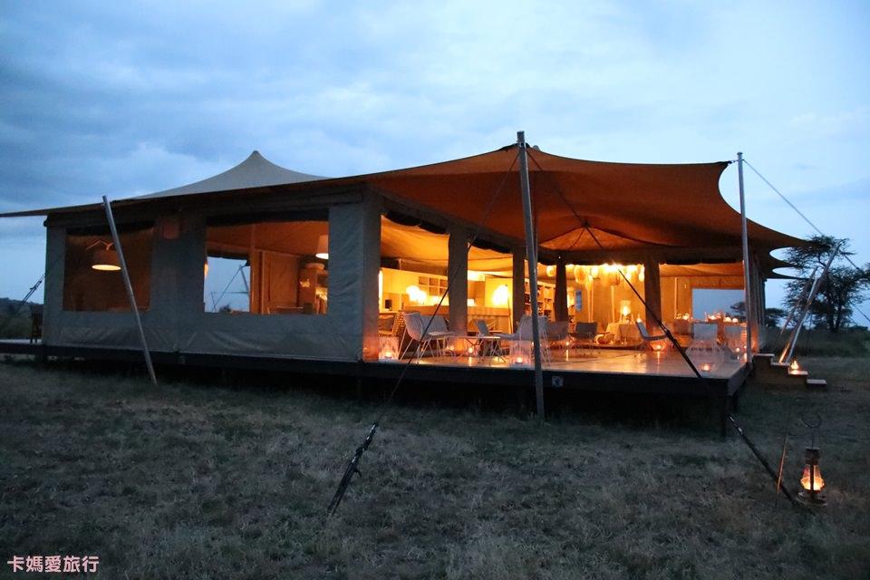[坦尚尼亞] Tanzania Roving Bushtops 在草原中移動的頂級豪華帳篷 公共設施、晚餐介紹