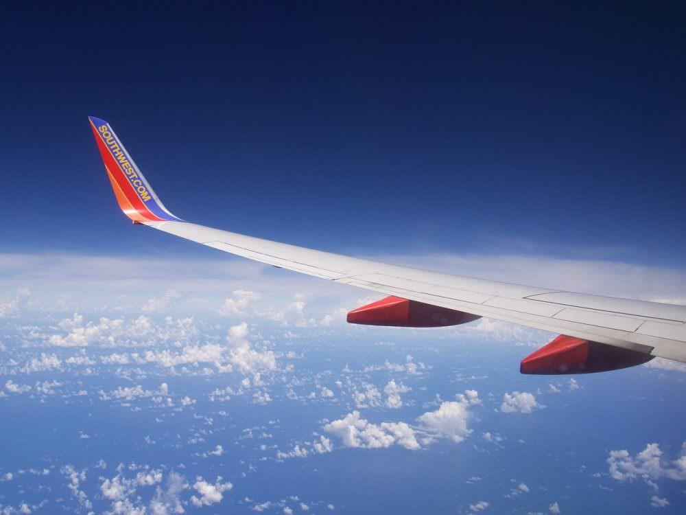 plane-1345320_1280