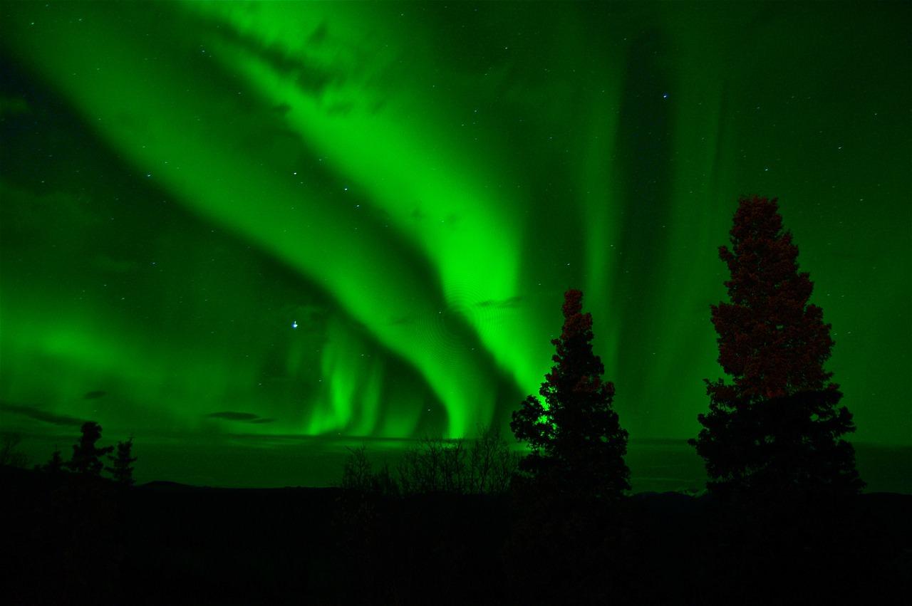 aurora-borealis-744351_1280