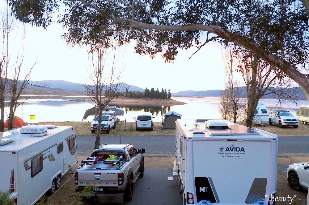 澳洲 Jindabyne 簡單浪漫的雪山小鎮露營日常